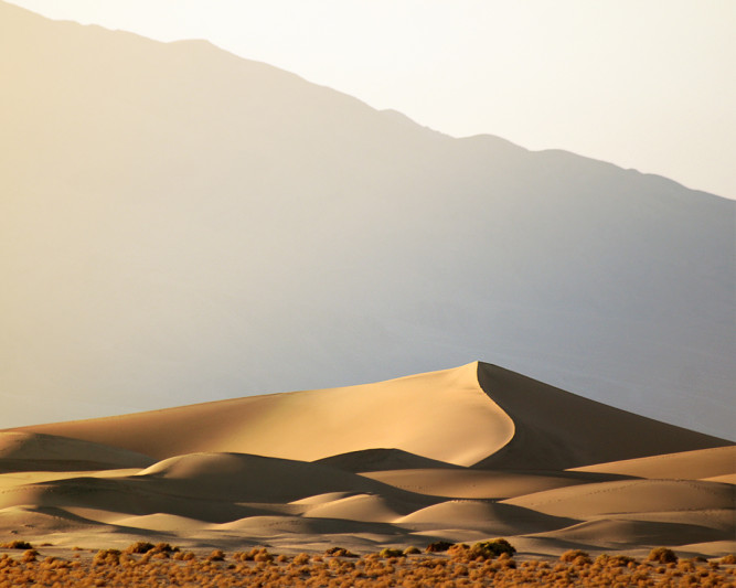 Death-Valley-California-Mesqute-Sand-Dunes
